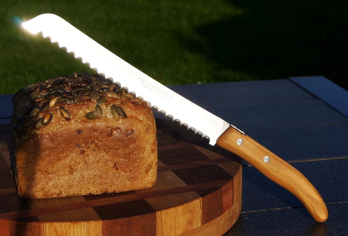 Original laguiole - Brotmesser Laguiole von Claude Dozorme, Olivenholz