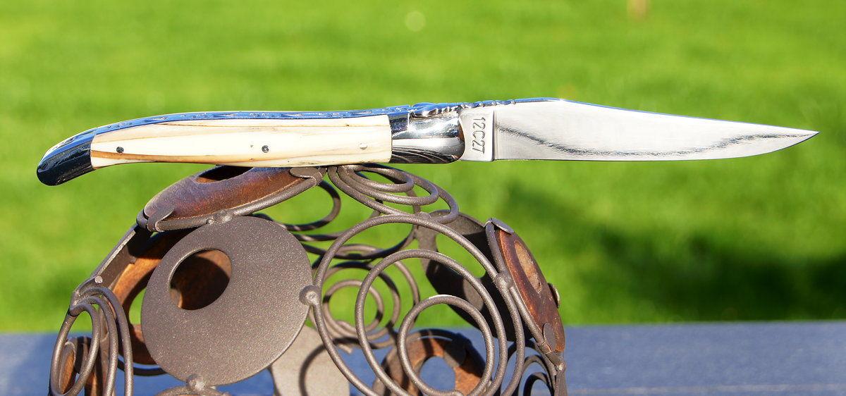 Original laguiole - Taschenmesser Laguiole en Aubrac, guillochierte Platine, Mammutstosszahn