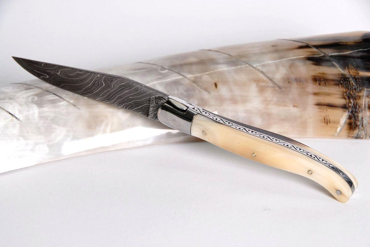 Original laguiole - Taschenmesser Laguiole Honore Durand, Damast, Hornspitze bizzare, guillochierte Biene, brillant