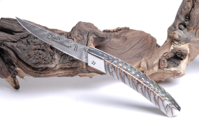 Original laguiole - Taschenmesser Thiers Claude Dozorme, Damast, stabilisierter Tannenzapfen, Brillant
