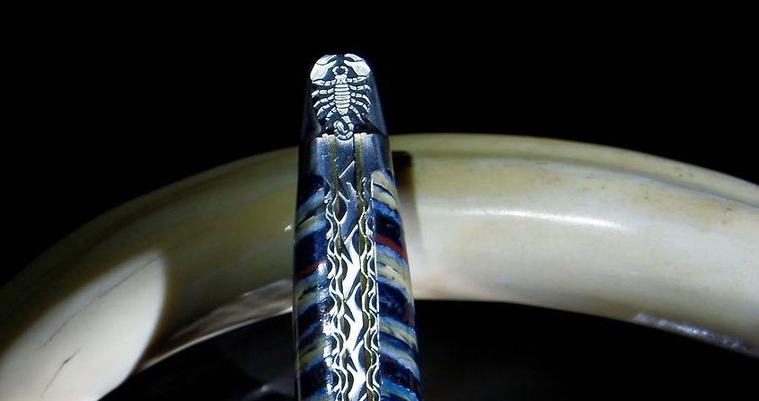 Original laguiole - Taschenmesser Laguiole du Barry, Edition blue Scorpion, Mammutbackenzahn, brosse