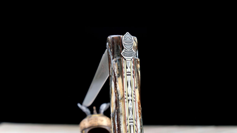 Original laguiole - Taschenmesser Laguiole Chevalier, Edition Black Knight, Mammutstoßzahn, 14C28, brosse, Plein