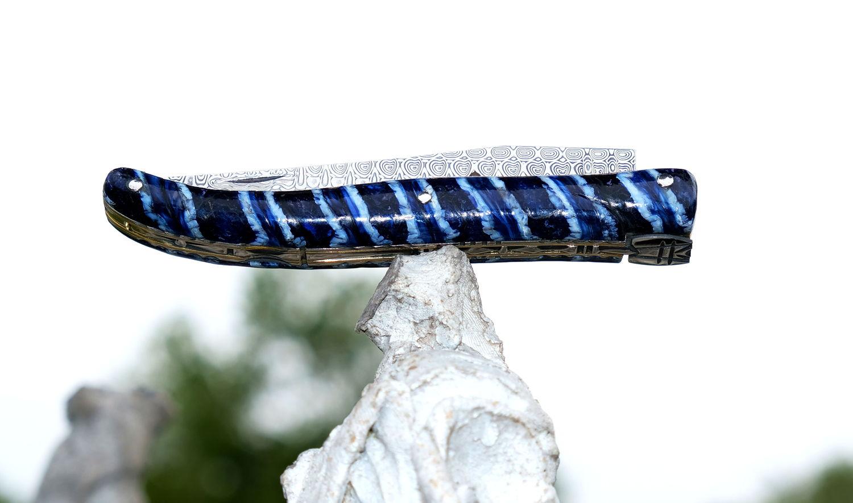 Taschenmesser Laguiole Chevalier, Edition Gawain, Mammutbackenzahn blau, Damastklinge, Plein