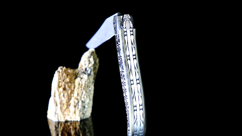 Taschenmesser Laguiole Du Barry, Dore Night, Damastklinge, Plein, Carbongriff, guillochierte Biene, brillant
