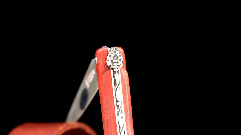 Original laguiole - Taschenmesser Laguiole en Aubrac, von Pierre Martin, Edition coccinelle, red heart Holz, guillochierte Biene, Plein, brosse